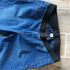 Old Navy Elastic waist jeans 10